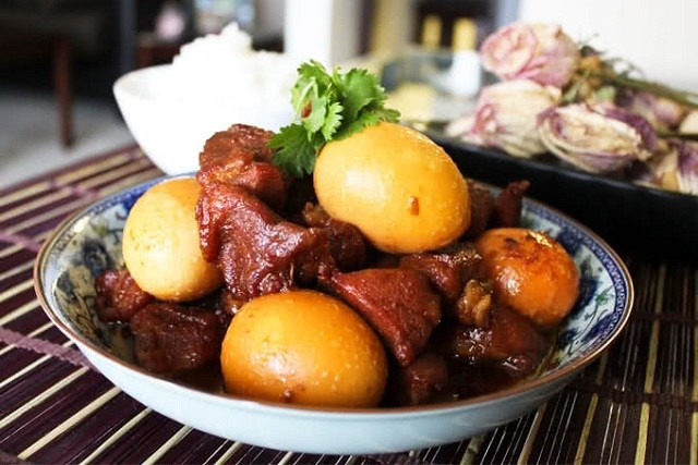 thịt kho hột vịt