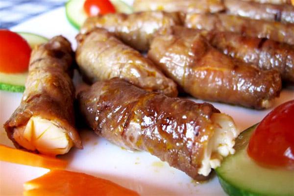 bò cuộn phô mai nướng