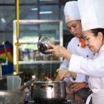 Nghề bếp không phân biệt tuổi tác
